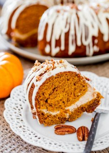 pumpkin-bundt-cake-with-cream-cheese-filling-1-2