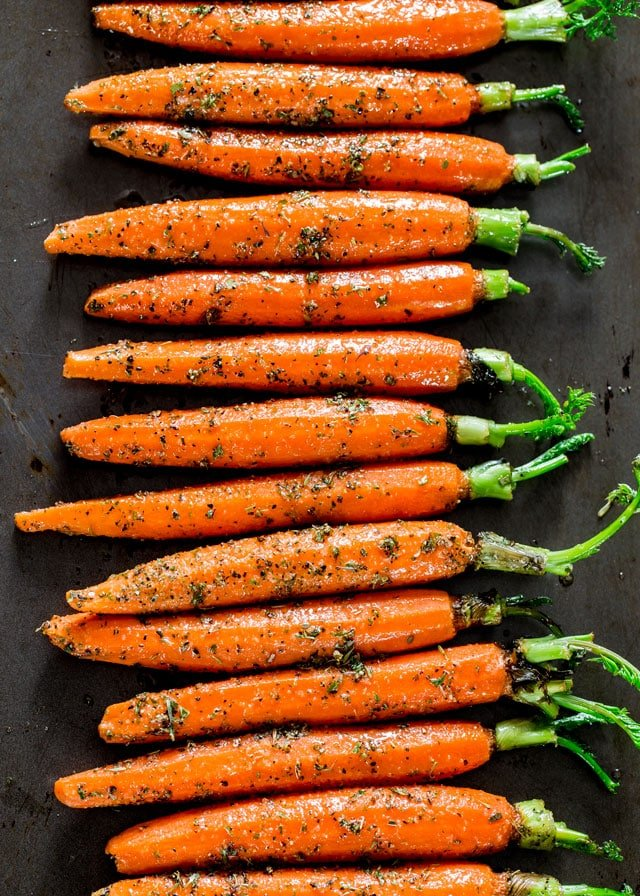 Garlic and Herb Roasted Carrots