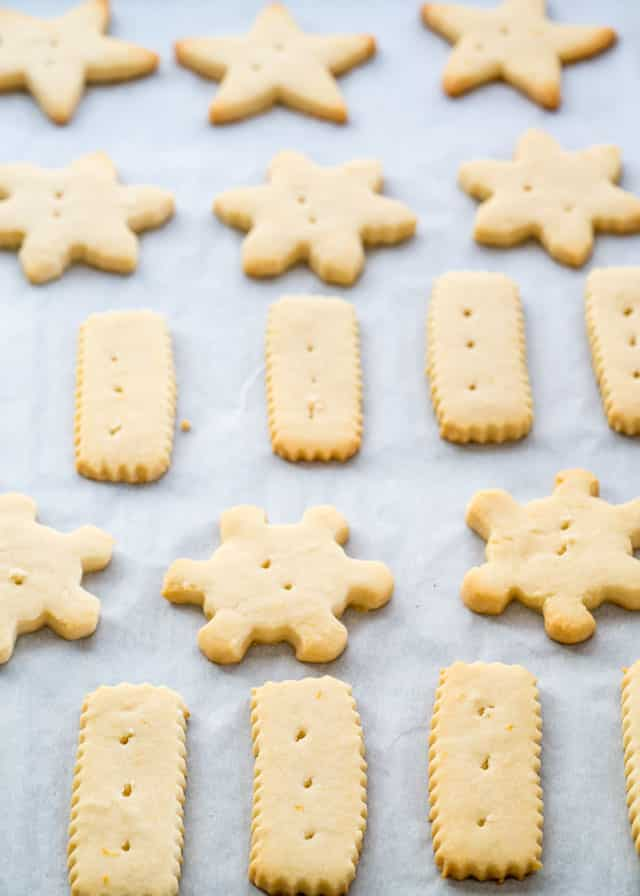 shortbread cookies freshly baked out of the oven