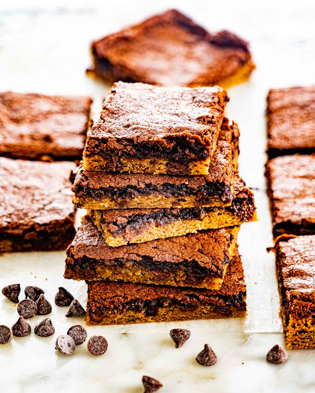a stack of brownie cookies
