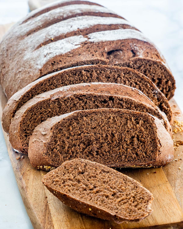 dark-rye-bread-1-17.jpg