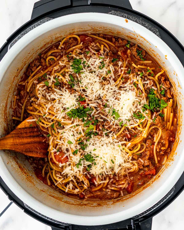 overhead of instant pot spaghetti freshly made.